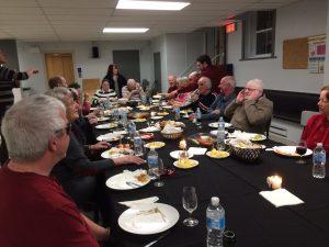 Membres de l'AERA à une dégustation de vin et fromages 4.