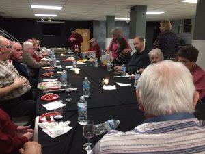 Membres de l'AERA à une dégustation de vin et fromages 5.